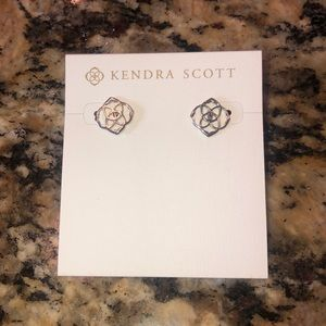 Silver kendra scott earrings